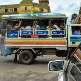 改造バス?は超満員@ミャンマーヤンゴン