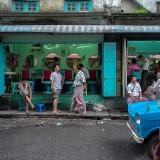 ヤンゴンの床屋さん@ミャンマー
