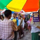 ヤンゴンの公衆電話屋さん@ミャンマー