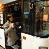 紹興行きのバスへ乗り込みます@上海