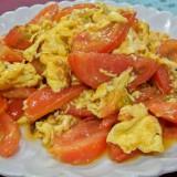 西紅柿炒鶏蛋(トマトと卵の炒めもの)@木蘭餃子大王