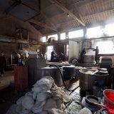 繭を煮て引く工程@桐郷の真綿工場